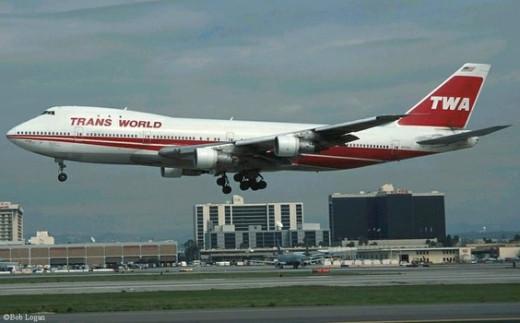 A TWA Boeing 747 similar to flight 800.