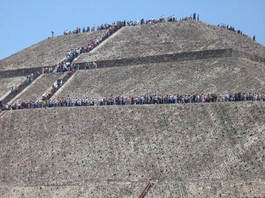 Pyramid of the Sun by Oscar Gabriel Campos Villalobos
