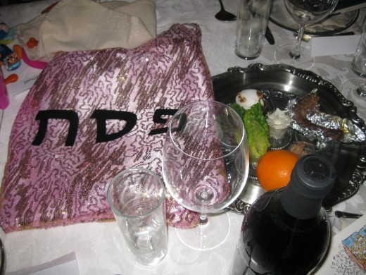 Seder plate and matzo cover