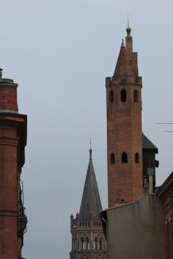 Tower of Notre-Dame du Taur, with the Saint-Sernin Basilica in the background