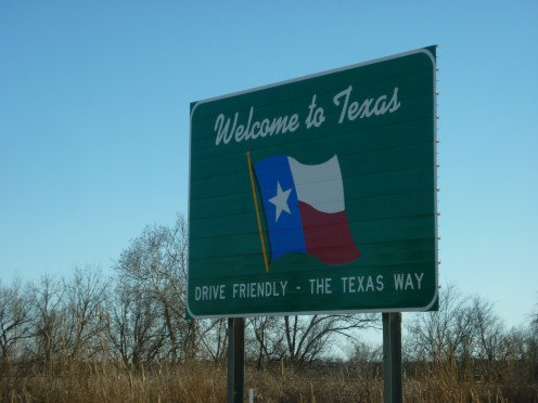 Welcome to Texas on Highway 69/75 headed South