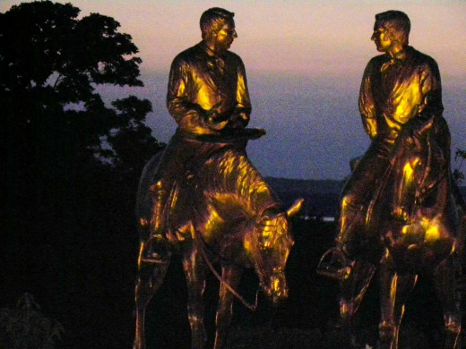 Reflective lighting on statues at Nauvoo, IL