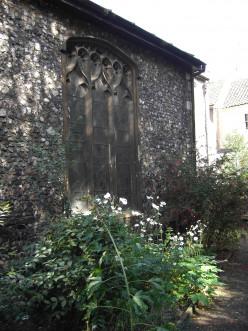 St George's, Tombland, Norwich - corner