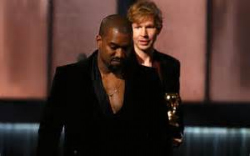 Once again Kanye West showed zero class and maybe some jealousy when he interrupted Beck's acceptance speech. It was not even a surprise as West is known to ull immature stunts from time to time.