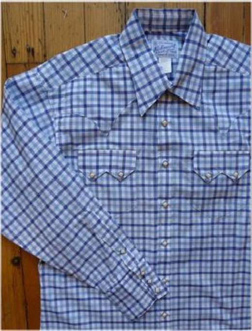Cowboy shirt with snap on pearlized buttons