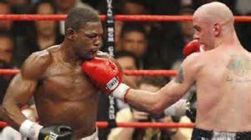 Kelly Pavlik won the 160 pound championship by knocking out Jermain Taylor. In the rematch Pavlik defended his crown by winning by decision over 12 heats.