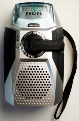 Hand crank radio