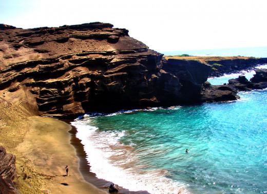 Papakolea (Green Sand) Beach