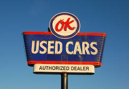 The most-recognizable used car sign in the United States