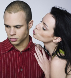 10 Signs You Are Too Clingy