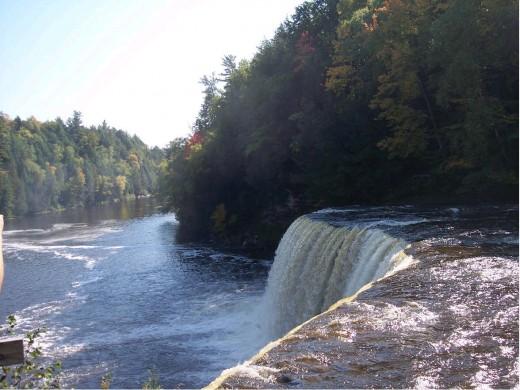 Tahquamenon Falls pic #5