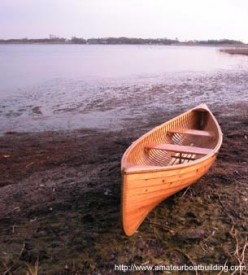 Unconsciously beautiful wooden boat