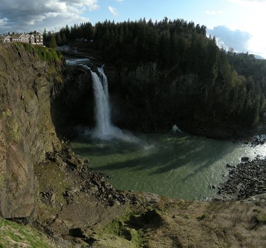 Panoramic view of Snoqualimie Falls in March