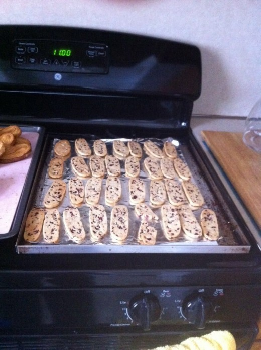 Cookies cooling on the oven