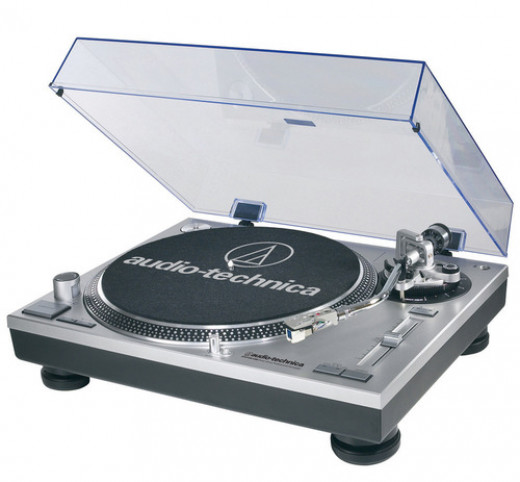 Modeled after the Technics 1200, the Audio Technica AT-LP120 is the perfect turntable for beginners to learn with. This direct-drive turntable also features a USB connection.