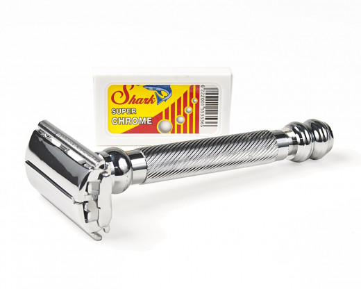 Weighing in at 3.4 ounces, the Parker 99R is designed for those like more weight to their razor.  It is built with a chrome-plated brass frame for maximum durability and sturdiness.  The Parker delivers a barbershop-close shave and is comfortable.