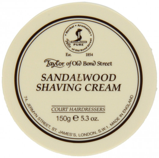Rich and luxurious, the Taylor of Old Bond Street cream blends the woody scents of Sandalwood and Cedar, with the more floral aromas of Lavender, Rosemary, Jasmine and Rose, for an exotic and vivacious bouquet to enhance the male grooming experience.