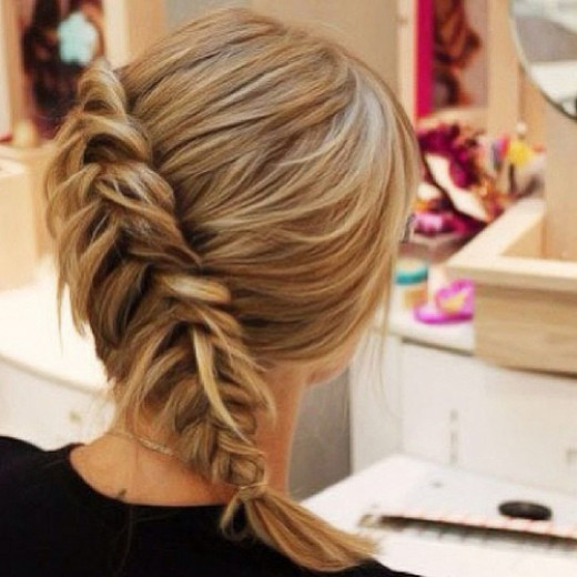 Diagonal fishtail braid