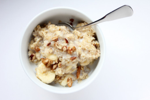 Oatmeal can be a filling breakfast, as well as a nutritious source of carbohydrates.