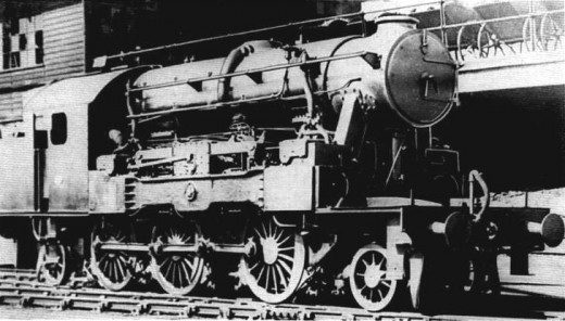 As its name suggests this locomotive was designed to run on both diesel and steam and was expected to retain the advantages of both types of fuel systems. It fell foul of ineffective fuel costs and was scrapped soon after the trials finished.