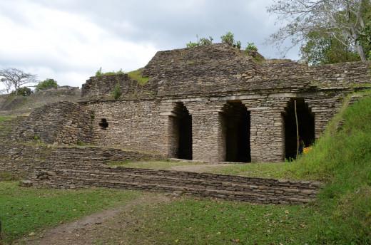 Ground level structure at Tonina