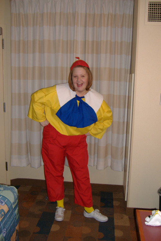 Hollie as Tweedledee