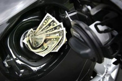 What Are Tips on Saving Gas (And Money) While Driving?