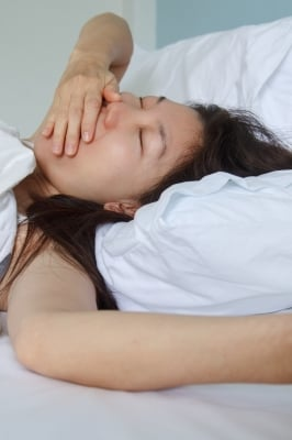 Those with narcolepsy can fall asleep very rapidly with little warning