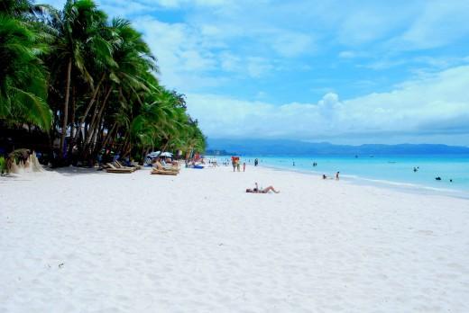 Enjoy the fine sand in Boracay