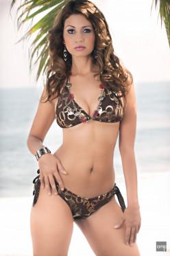 In Bikini Females