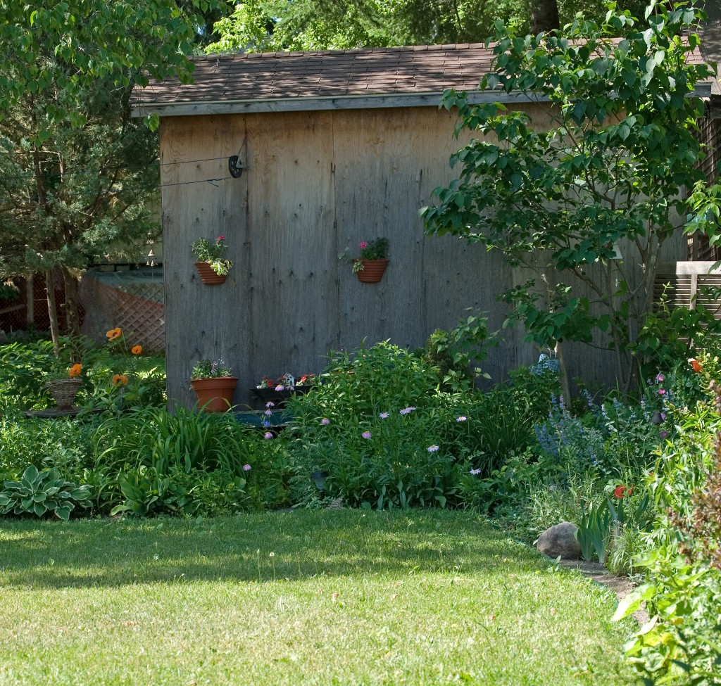5 Tips For Updating Your Backyard S Landscape Hubpages
