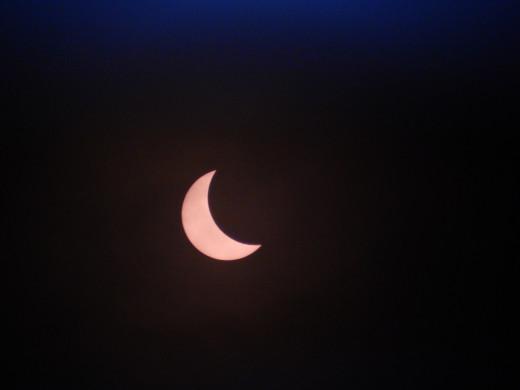 09:11 Solar eclipse, 2015.