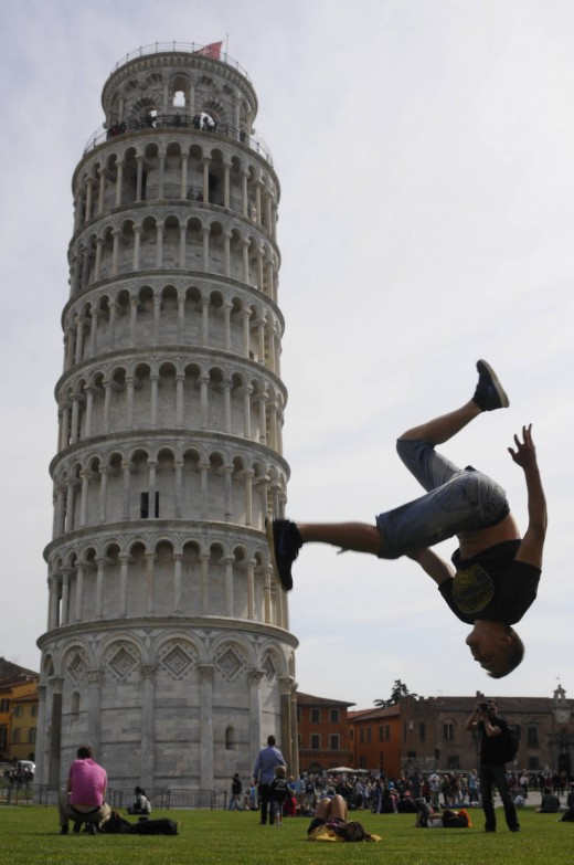 Funny LEANING TOWER OF PISA Picture