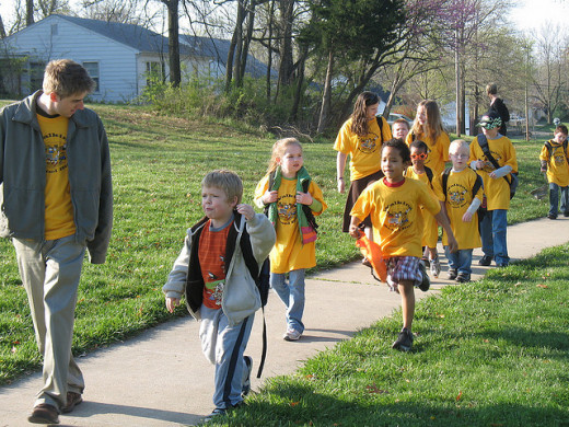 Parents of kids who attend West Boulevard Elementary School in Columbia, Missouri, have the right idea. They get them (and themselves) active with a walking school bus.