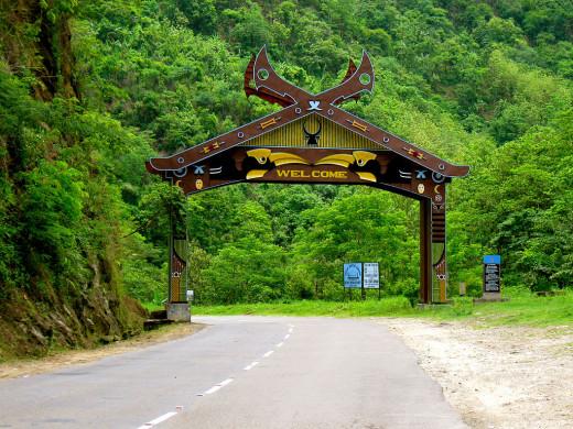 Way to Kohima Nagaland India By Jackpluto [CC-BY-SA-3.0 (http://creativecommons.org/licenses/by-sa/3.0)], via Wikimedia Commons