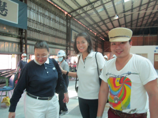 (L-R) Tzu Chi volunteer and celebrity Ju.D Lao, TV host and newscaster Mitzi Borromeo and People Managing Editor, Philippine STAR contributor Paolo dela Cruz