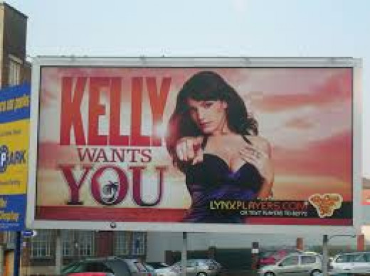 Kelly Brook being objectified in the name of marketing