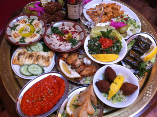 Calories lebanese food healthy choices at restaurants for Arabic cuisine dishes