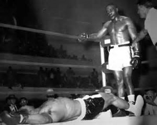 As a heavyweight contender Sonny Liston brutally knocked out Cleveland Williams twice.