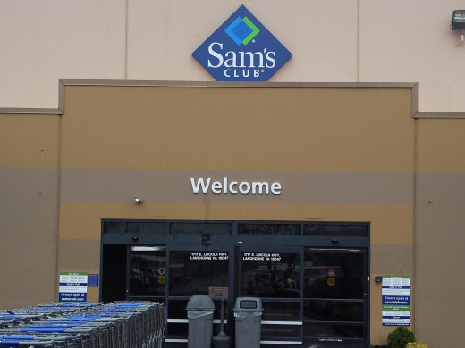 Entrance to Sam's Club