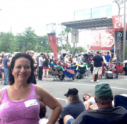 Rodney Atkins concert photobomb