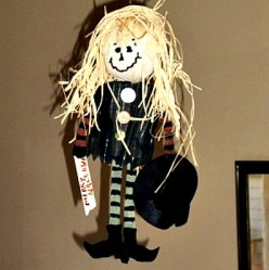 How to Make a No-Sew Hanging Witch