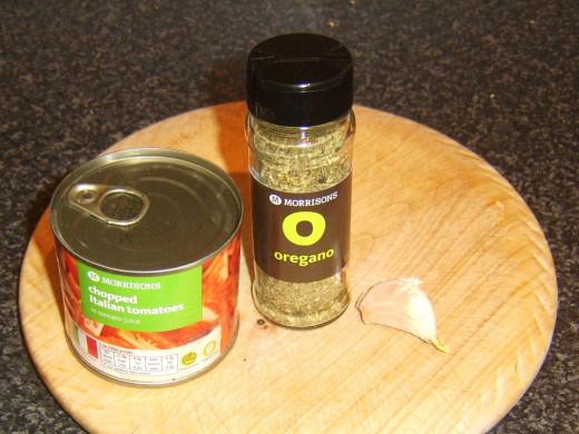 Simple tomato sauce ingredients