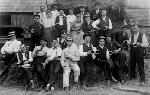 1905 beer drinking party.