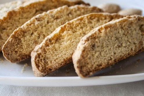 Exploring Biscotti: History and Recipes for the Italian Cookie