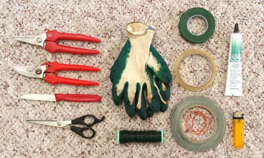 Flower arranging tools