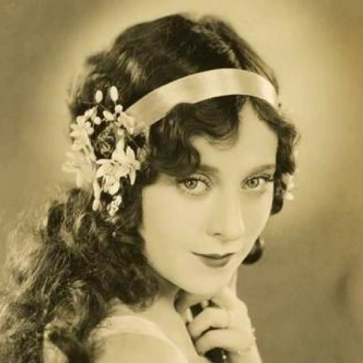 curly hair (way back in 1920s)