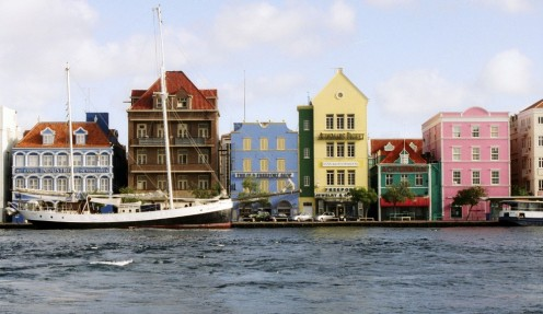 The Willemstad waterfront is the highlight of a trip to Curaçao. Source: Wikimedia, Creative Commons License
