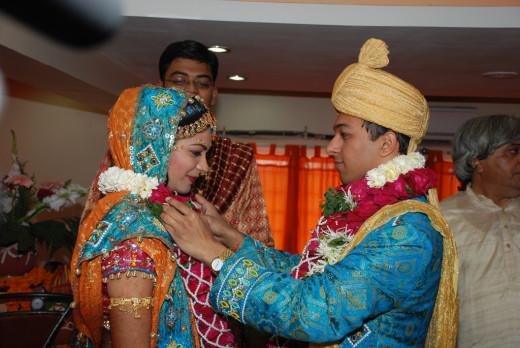 Varmala most entertaining ritual in a wedding