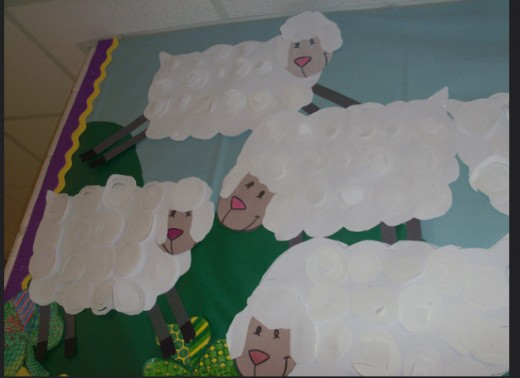 All these sheep look the same. Parents and principals like homogeneous projects, but they don't promote creativity. What did the children gain from the experience? They just glued cotton balls to a pre-made sheep!